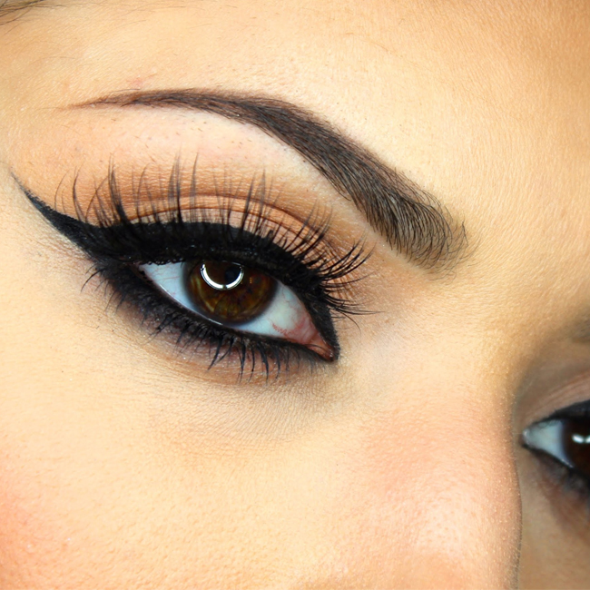 Beauty Trend: How To Wear Winged Eyeliner