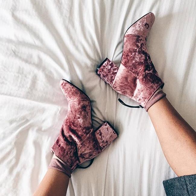 velvetshoes1