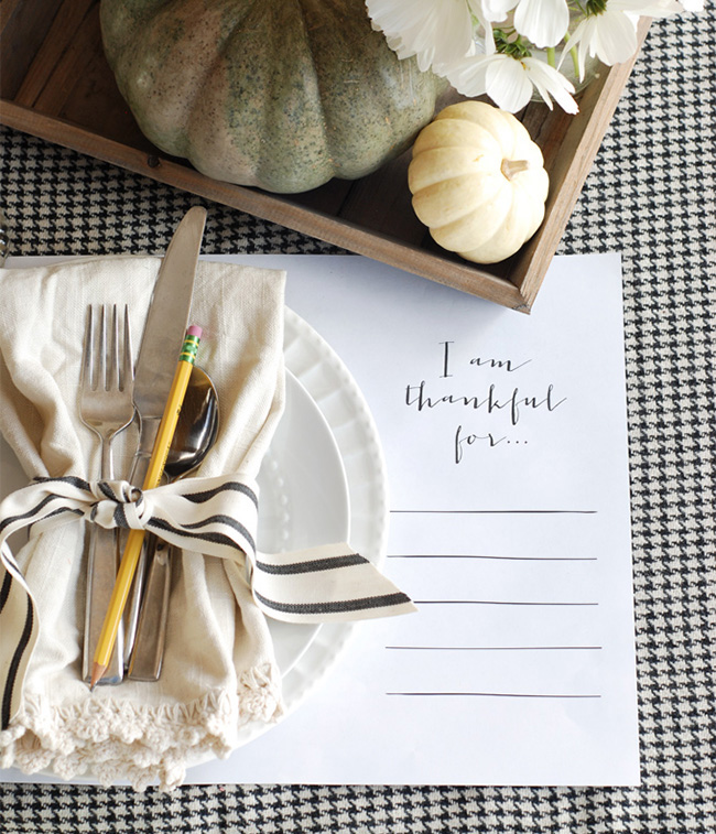 How To Host A Chic Thanksgiving Dinner
