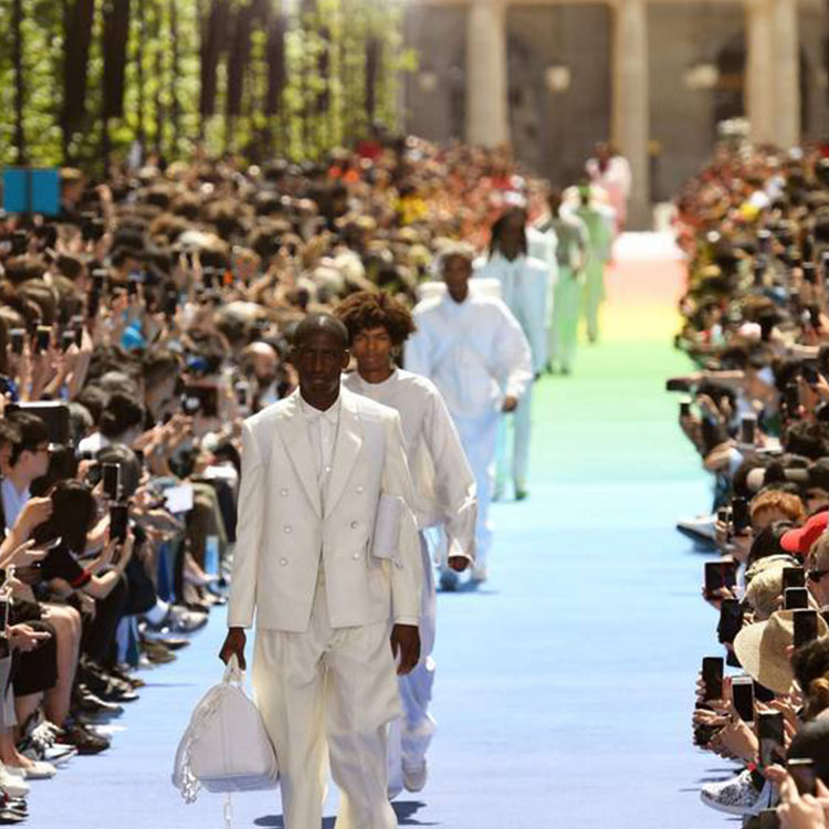 Revolution: Virgil Abdoh Starts One With His Louis Vuitton SS19 Men's Collection