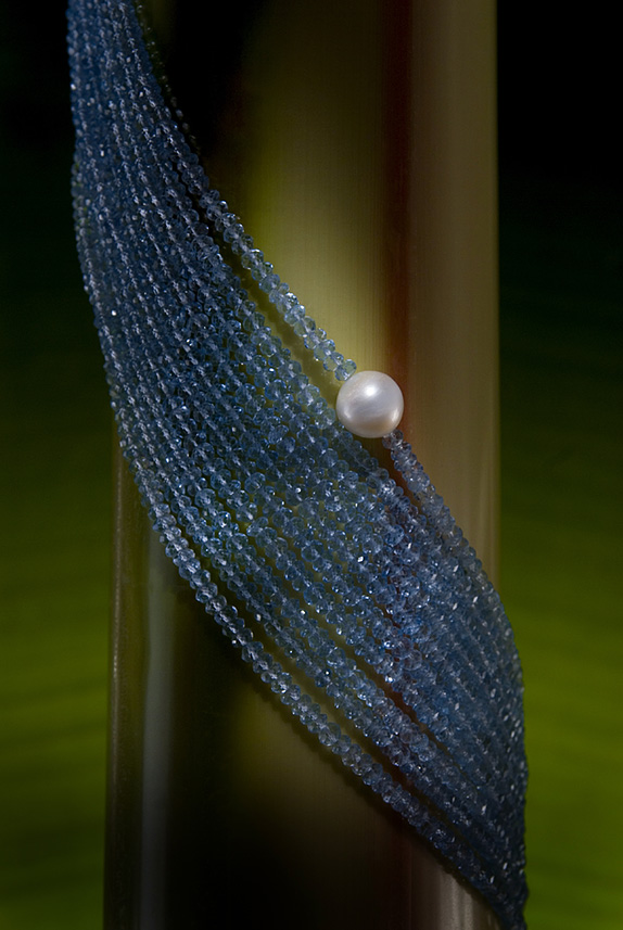 One Pearl: Making Giving Fashionable