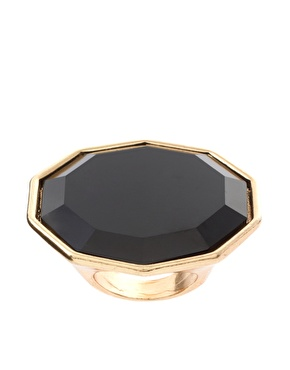 """""""Ring"""" In Your Weekend With A Statement"""