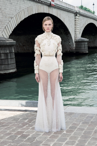 Givenchy Haute Couture: Light As Air