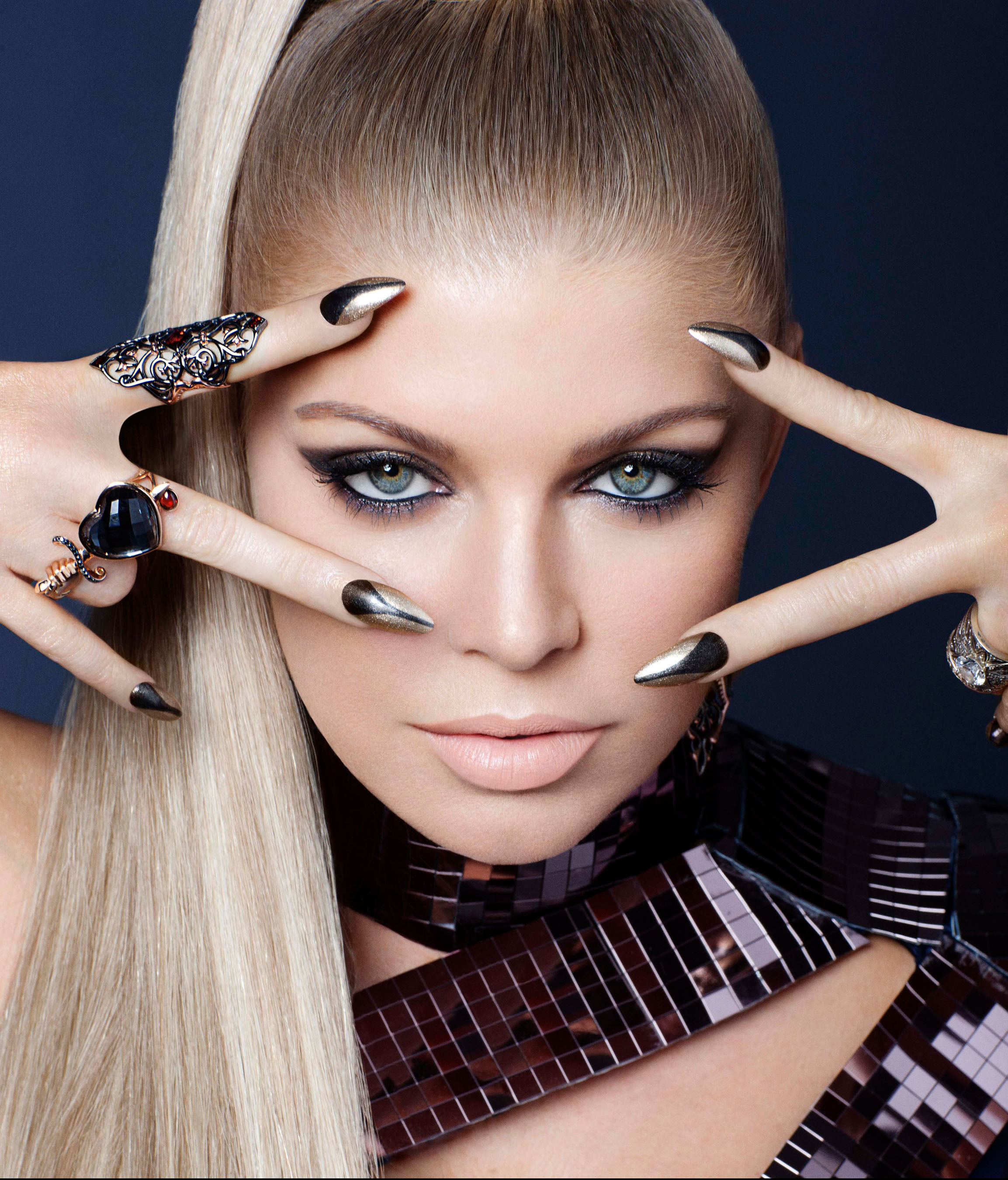 Perfect Pinks And Pouts: Fergie For Wet 'n' Wild