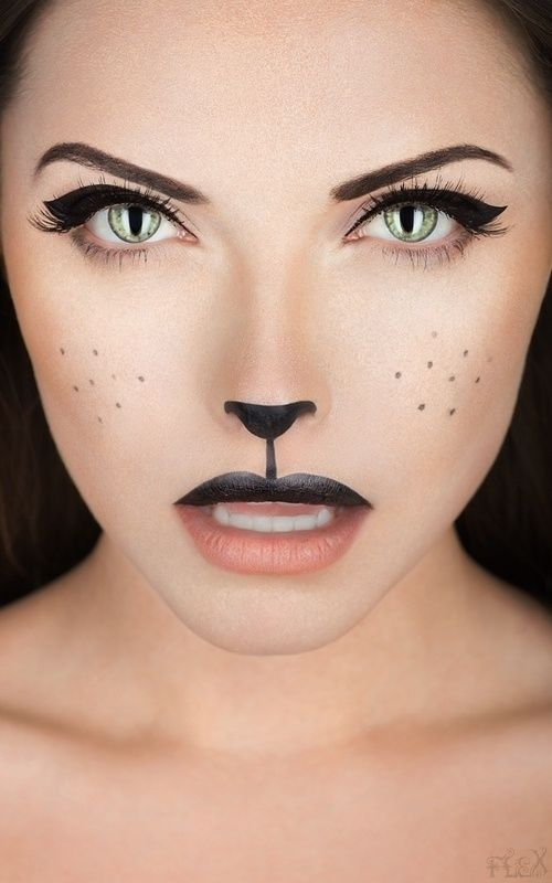 Boo-tiful Halloween Make-up and Nail Inspo