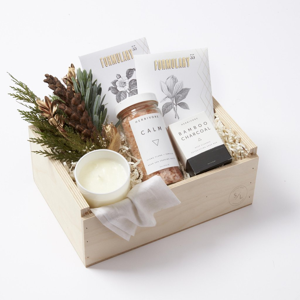 5 Holiday Hosting Gifts That Are Sure To Get You Invited Back