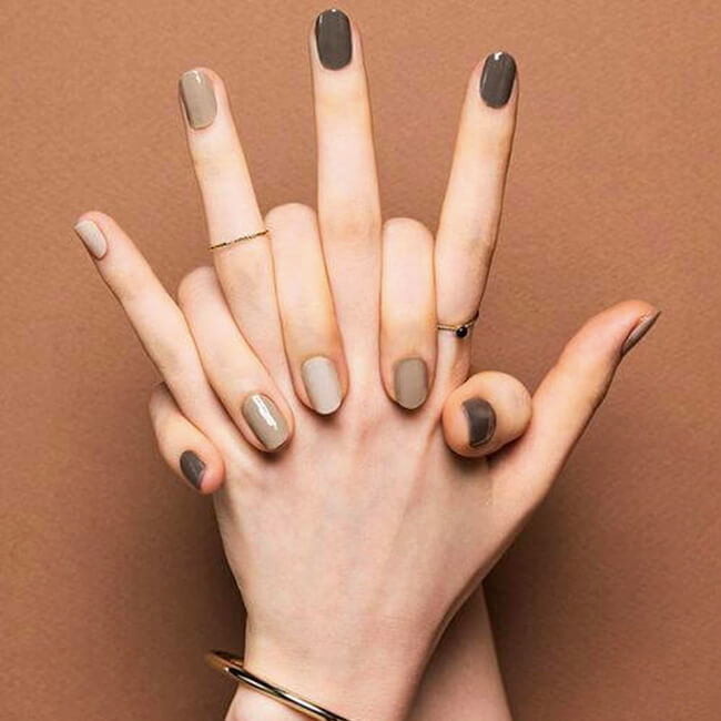 A Chic Take On Festive Fall Nails