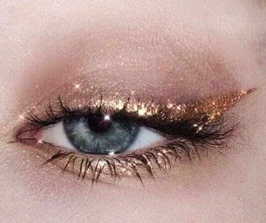Add A Little Sparkle To Your Makeup Routine This Holiday